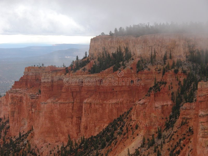 Gorge de Bryce sous la pluie photos stock