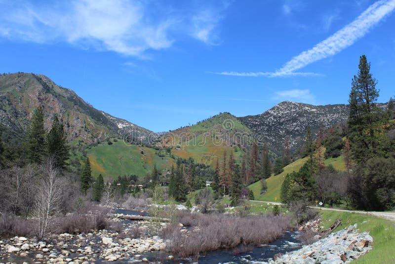 Gorge de rivière de Merced en Californie image libre de droits
