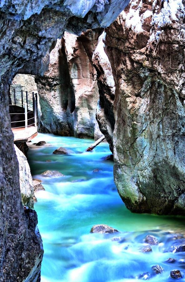 Gorge Partnachklamm à Garmisch-Partenkirchen, Bavari de Partnach images stock