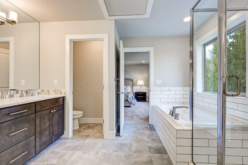 Download Gorgeous Bathroom Interior Boasts Drop In Tub Stock Photo   Image:  86342832