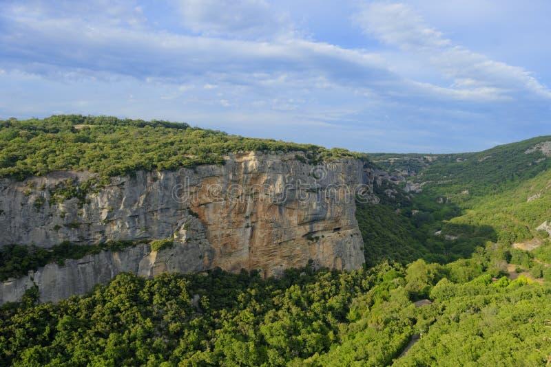 Gorges de Lourmarin vu de Fort de Buoux photographie stock