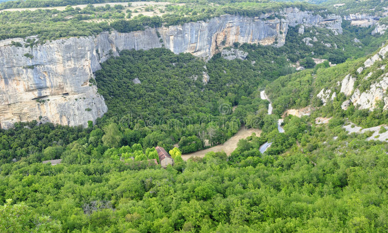 Gorges de Lourmarin vu de Fort de Buoux photo stock