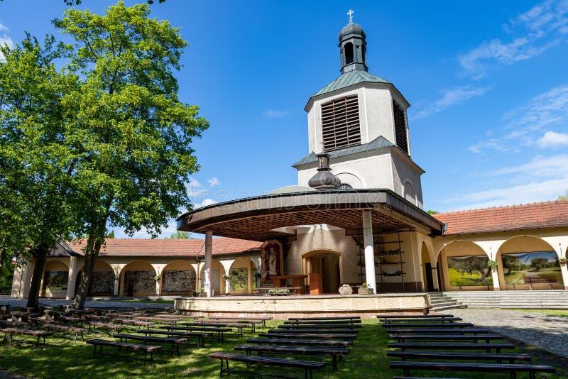 Gorka Klasztorna, Wielkopolskie/Polonia - mayo, 14, 2019: El monasterio en una peque?a ciudad M?s viejo Marian Sanctuary de Polon fotografía de archivo libre de regalías