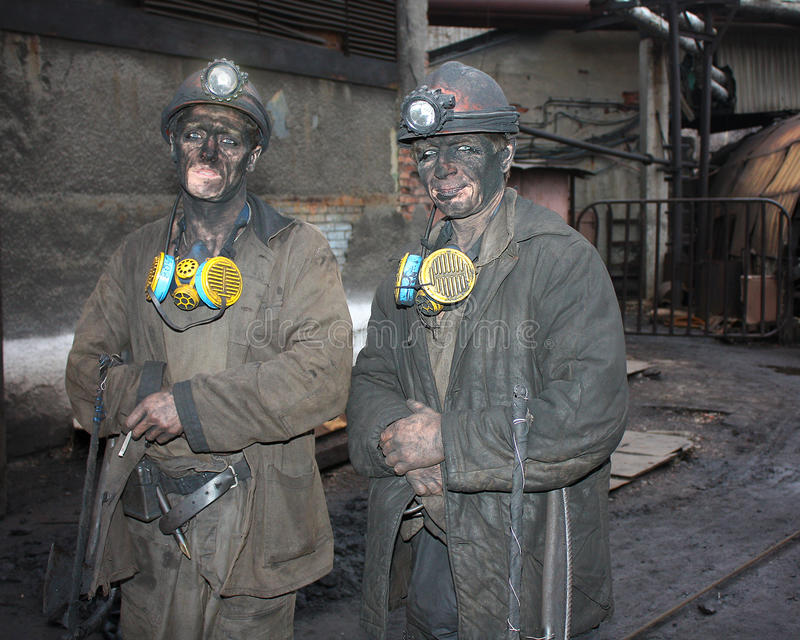 Gorlovka, de Oekraïne - December 10, 2012: Mijnwerkers na verandering van werk royalty-vrije stock foto