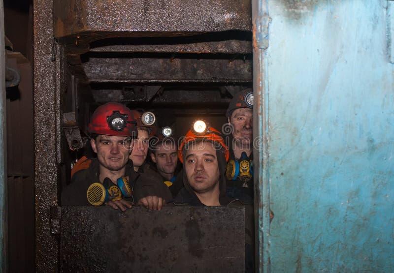 Gorlovka, de Oekraïne - Februari 26, 2014: De mijnwerkers van mijnna royalty-vrije stock afbeeldingen