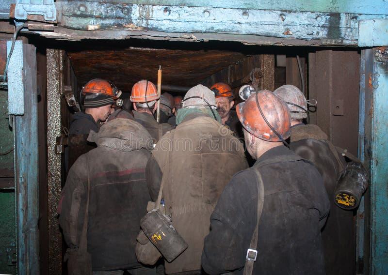 Gorlovka, de Oekraïne - Februari, 26, 2014: Mijnwerkers van de genoemde mijn stock afbeelding