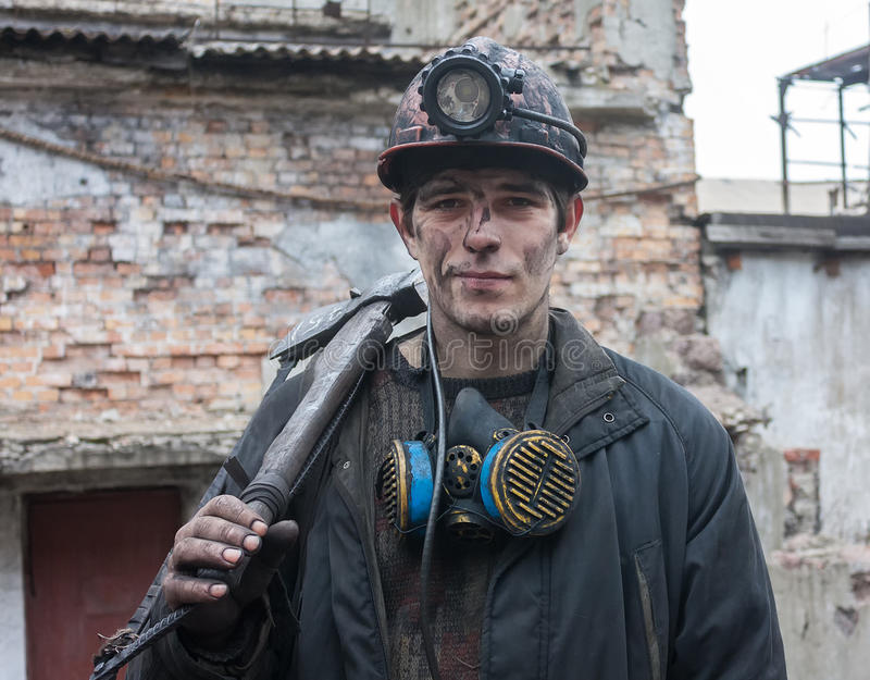Gorlovka Ukraina - Februari 26, 2014: Gruvarbetare min namngav Kalinin royaltyfria foton