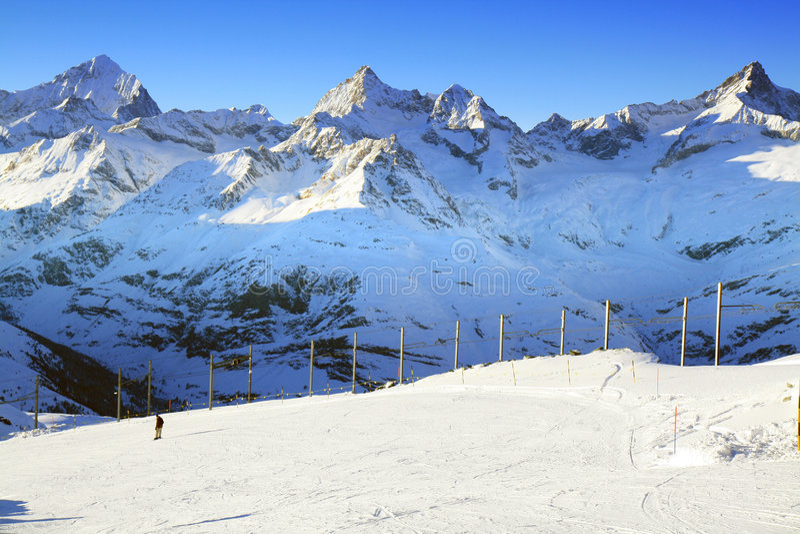 gornergrat ίχνος της Ελβετίας σκι στοκ φωτογραφία με δικαίωμα ελεύθερης χρήσης