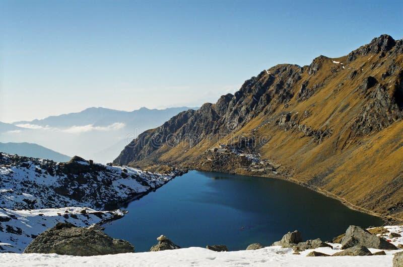 Gosaikunda lake royaltyfria foton