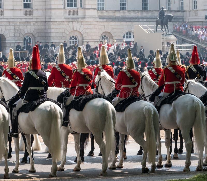 Gospodarstwo domowe kawaleria bierze część w Gromadzić się Colour ceremonię, Londyn UK zdjęcie stock