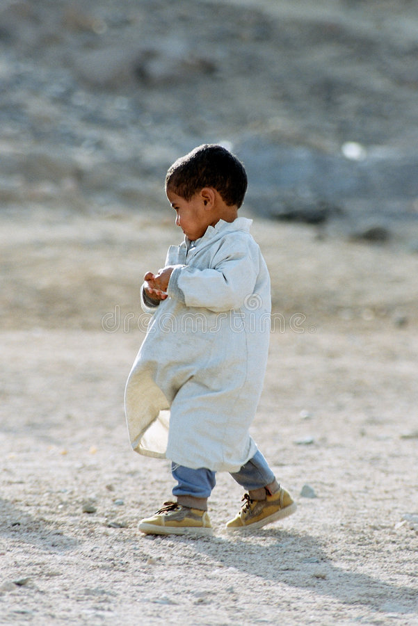 gosse de beduin photographie stock libre de droits