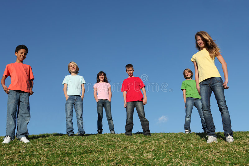 Gosses ou jeunesse divers de groupe photos stock