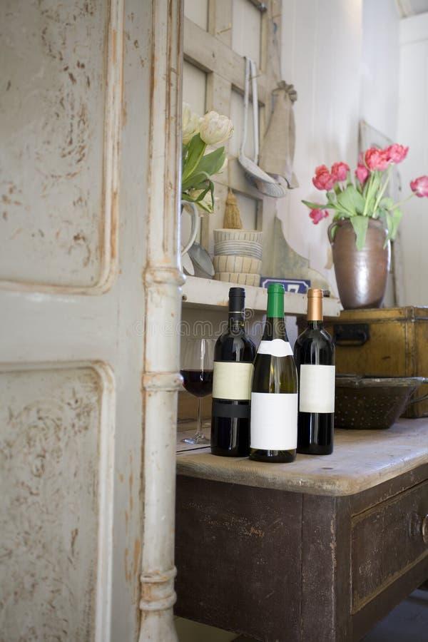 Gosto de vinho do vintage foto de stock