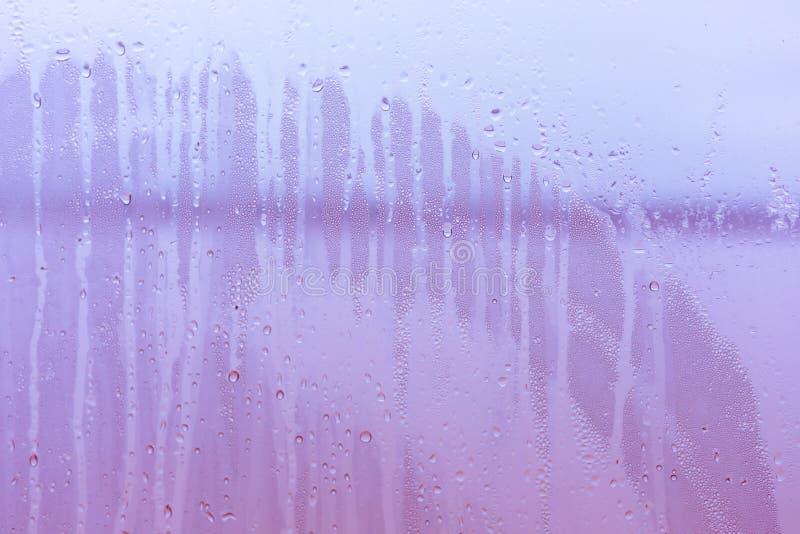 Gota da água no espelho para o fundo foto de stock royalty free