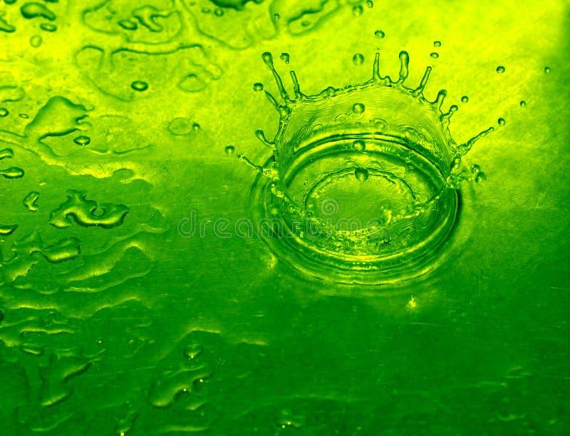 Gota del agua de cal imagen de archivo