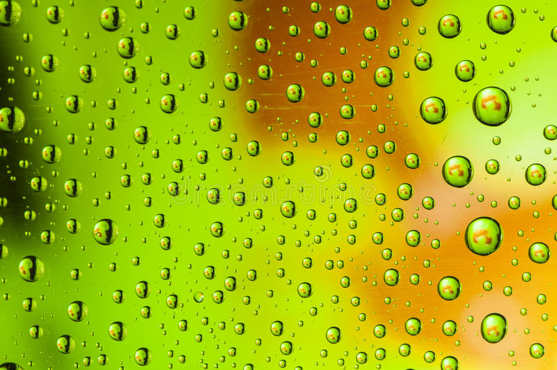 Gota verde da água imagens de stock