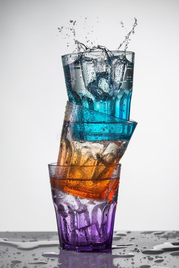 Gotas da água em torno dos vidros fotos de stock royalty free