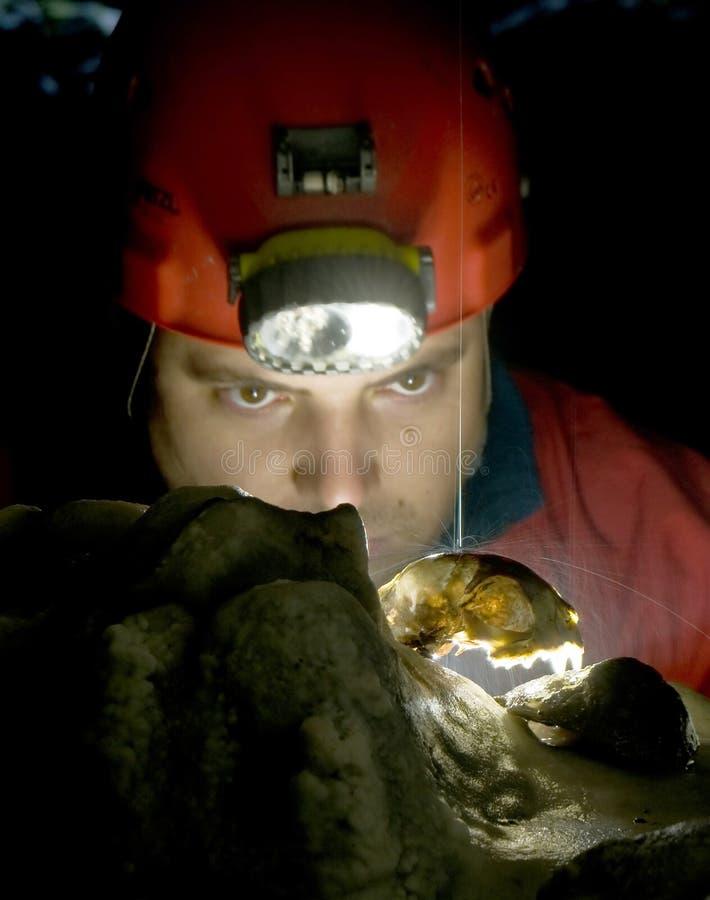 Gotas da água na caverna imagem de stock royalty free
