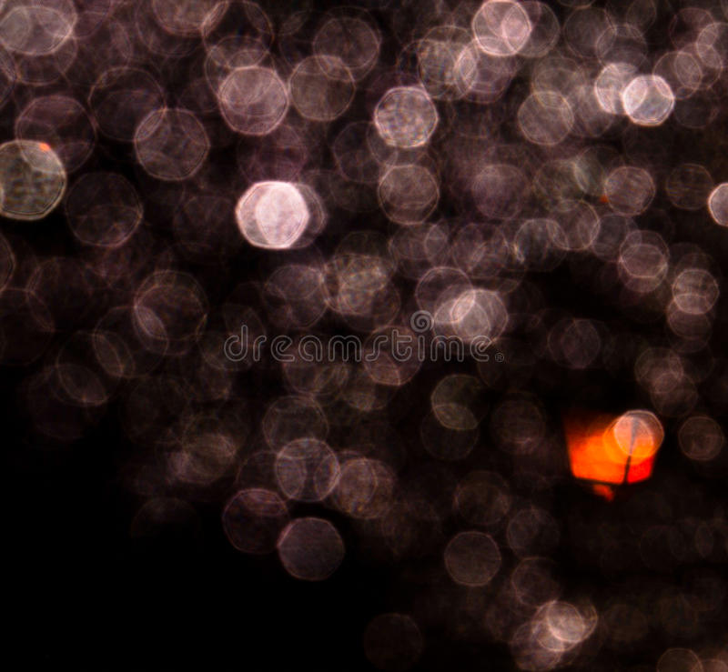 Gotas de agua en la noche imágenes de archivo libres de regalías