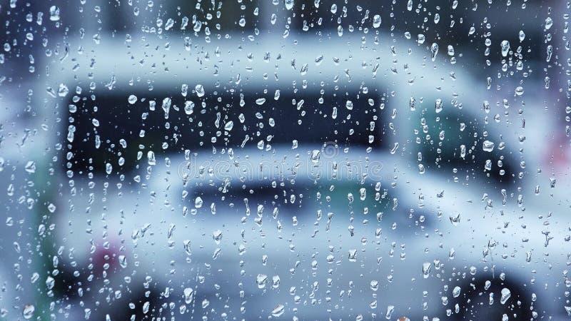 Gotas de agua sobre el vidrio de ventana 4K imagen de archivo libre de regalías
