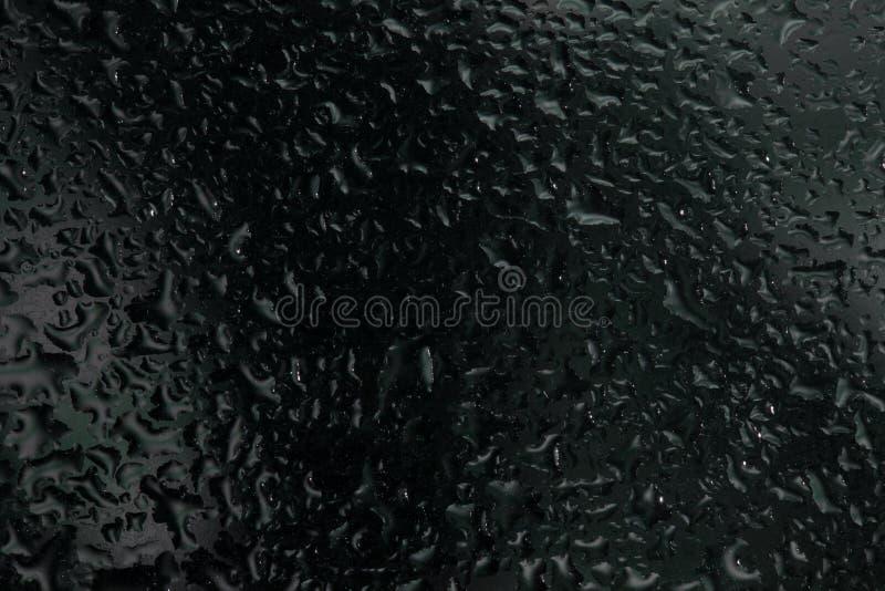 Gotas de la lluvia en un vidrio de la ventana fotografía de archivo libre de regalías