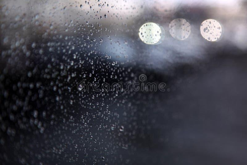Gotas de la lluvia en ventana imagen de archivo libre de regalías