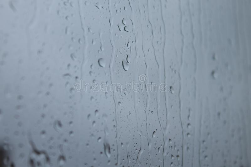 Gotas de lluvia en ventana 库存图片
