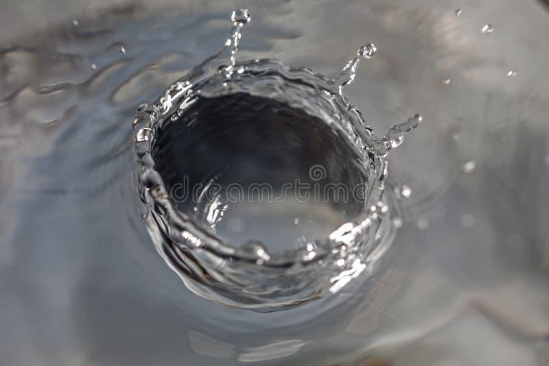 Gotejamento da água fotografia de stock