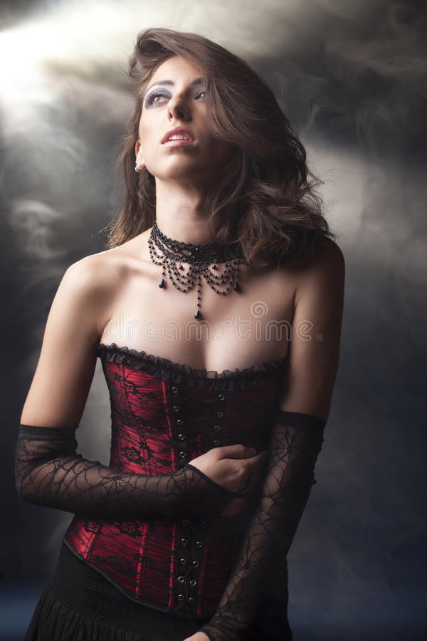goth девушки романтичное стоковое фото