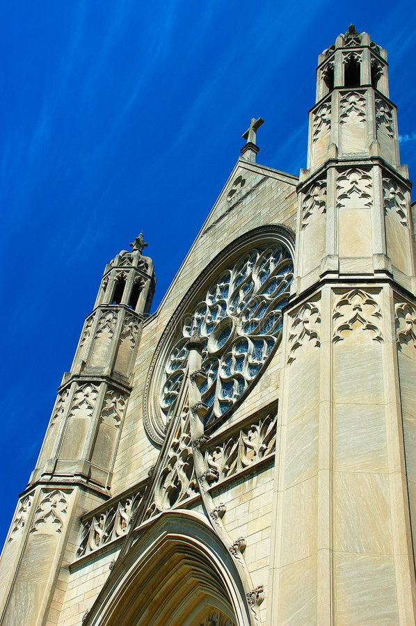 Free Gothic Architecture In Blue Sky Royalty Free Stock Photography - 5201217