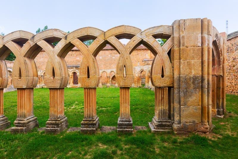 Gotisch klooster van San Juan de Duero Monastery royalty-vrije stock foto's