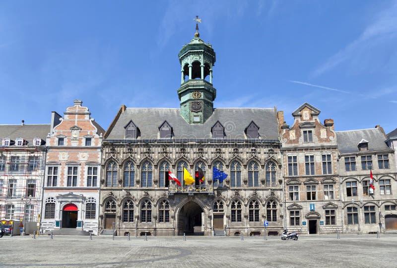 Gotisch stijlstadhuis in Mons, België stock afbeelding
