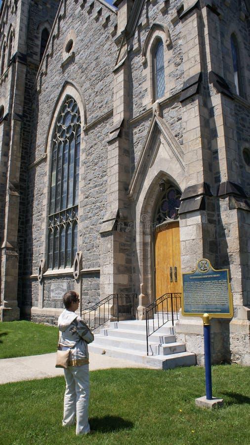 Gotische Kathedrale des 19. Jahrhunderts, die Ontario, Kanada-` s großen Fluss übersieht lizenzfreie stockfotografie