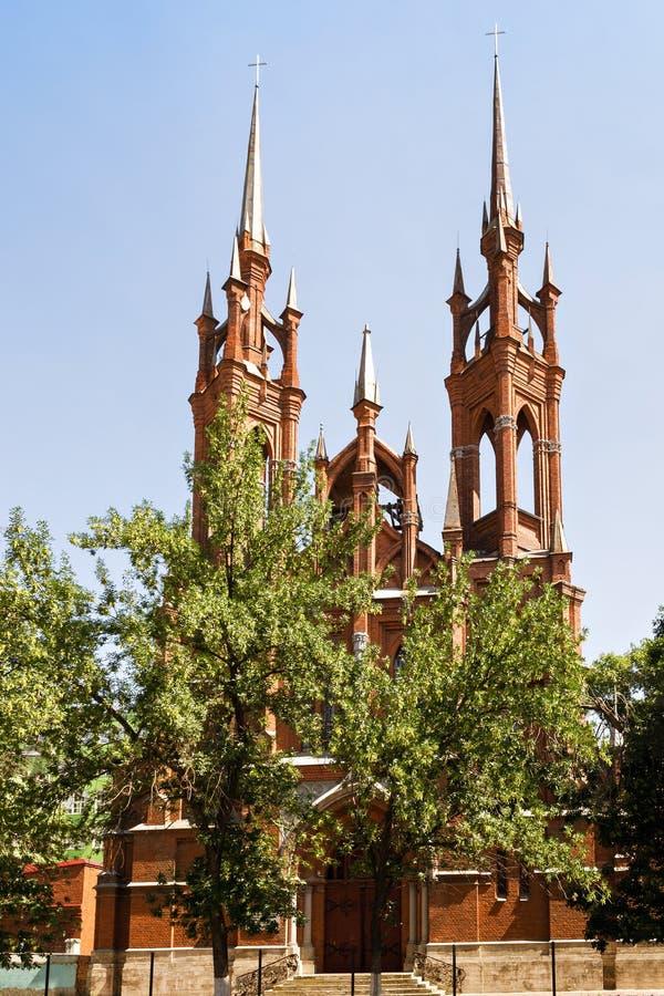 Gotische Katholieke Kerk in Samara stock fotografie