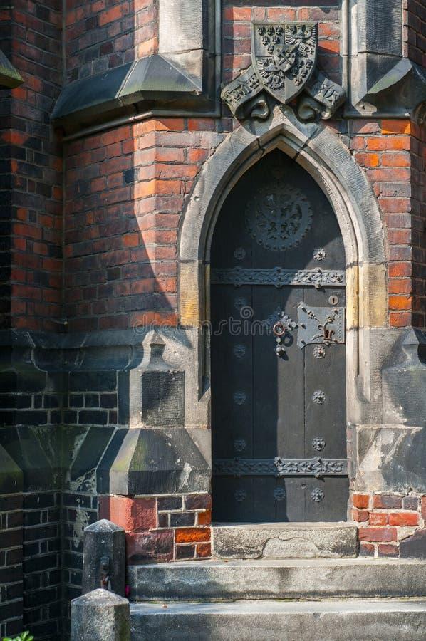 Gotische kerkdeur royalty-vrije stock afbeelding