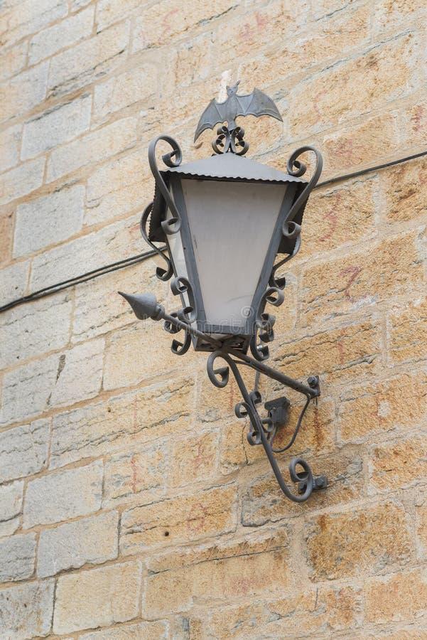 Gotische lantaarnpaal royalty-vrije stock afbeeldingen