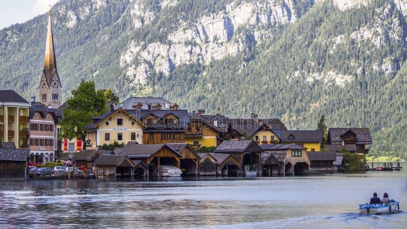 Gotische stad op het meer hallstatt stock foto