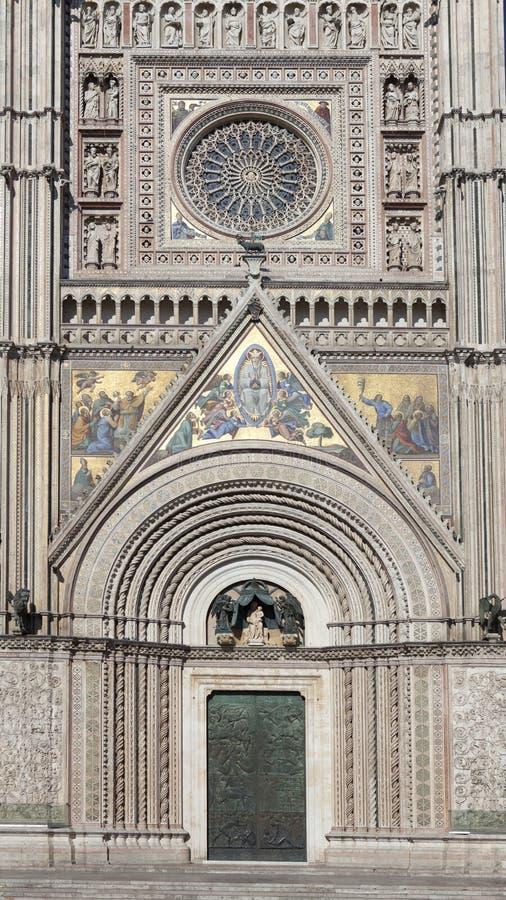 Gotische stijlvoorgevel stock afbeeldingen