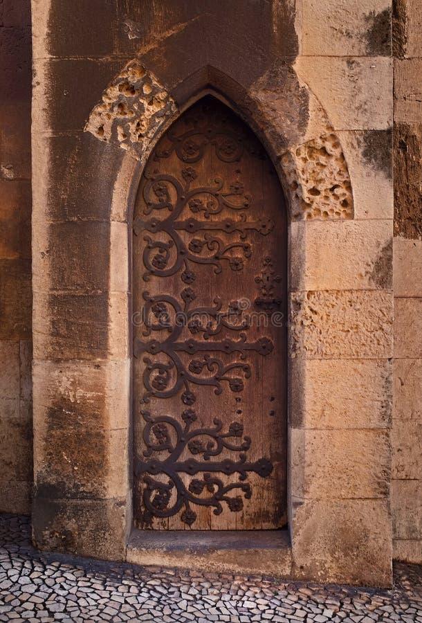 Gotische Tür lizenzfreie stockbilder