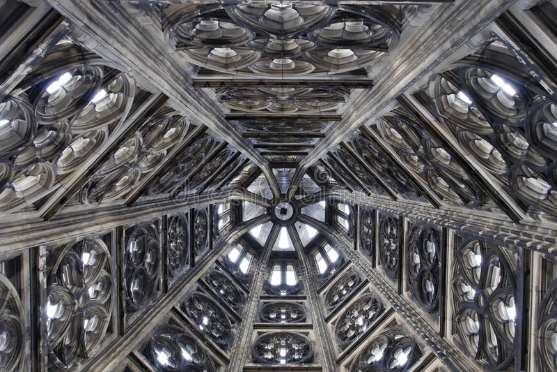 Gotische torendecoratie stock afbeeldingen
