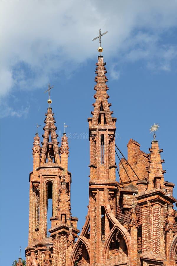 Gotische torens van St. Anna Church, Vilnius, Litouwen. stock foto's