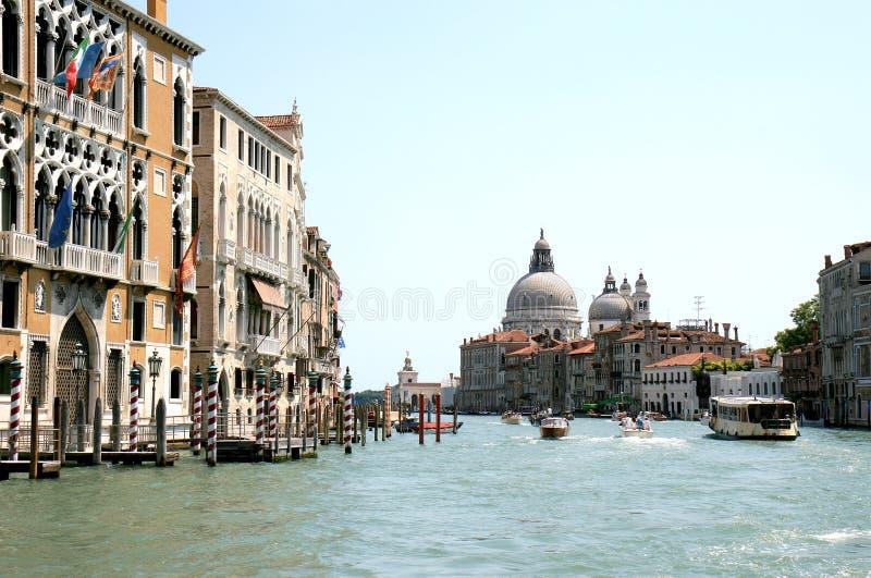 Gotische voorzijden langs het Grote Kanaal in Venetië royalty-vrije stock foto