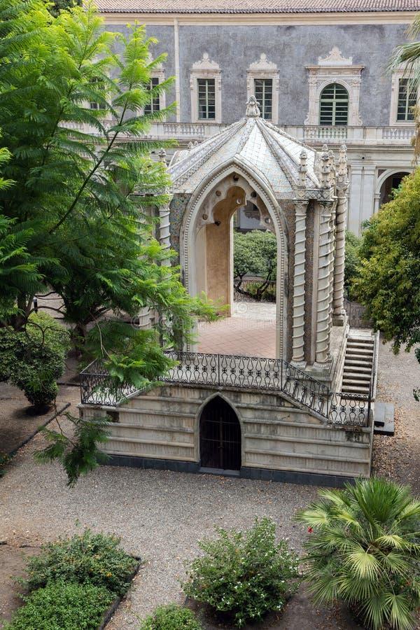 Gotischer Pavillon im Kloster von San Nicolo L ` Arena lizenzfreies stockfoto