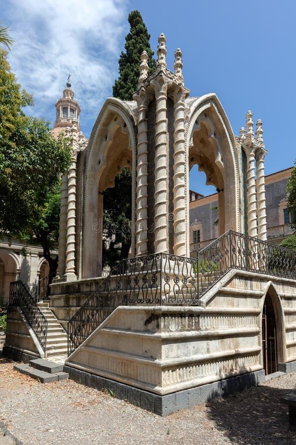 Gotischer Pavillon im Kloster von San Nicolo L ` Arena stockfotografie