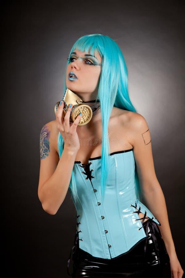 Gotisches Mädchen des Cyber in der ZauberGasmaske lizenzfreie stockbilder