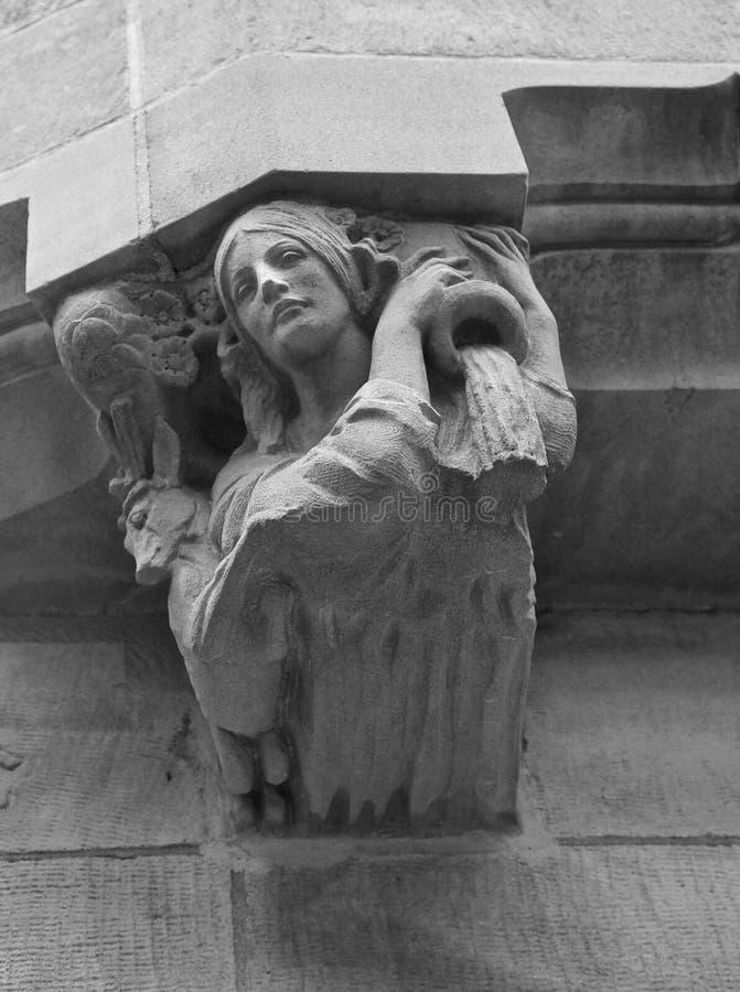 Gotisk arkitektonisk detalj på St Thomas `-kyrka arkivfoton