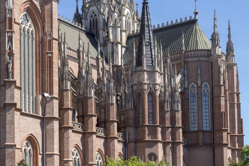 Gotisk domkyrkadetalj i solig dag royaltyfri fotografi