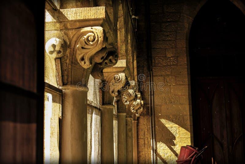 Gotisk forntida inre gammal byggnad i Paris, Frankrike arkivbilder