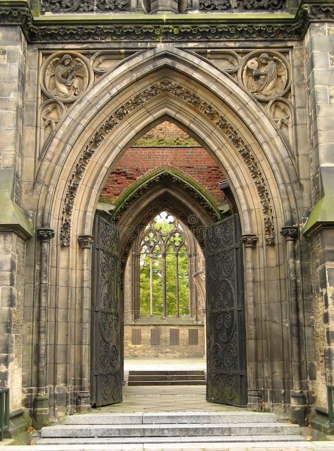 gotisk ingång arkivfoto