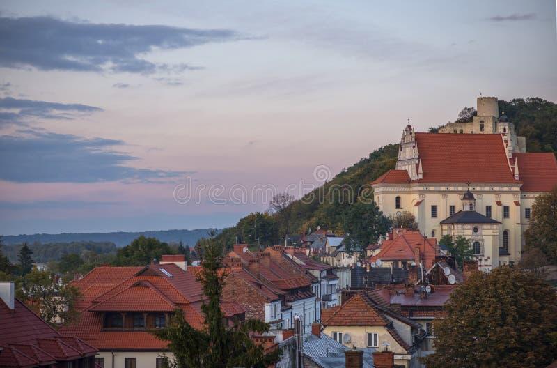 Gotisk kunglig slott i sikt för kazimierzPolen stad royaltyfri fotografi